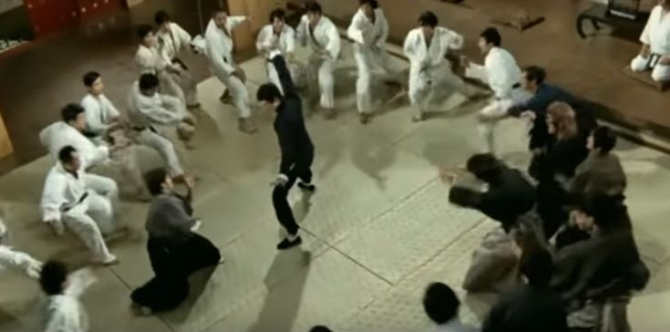 the most effective martial art against multiple attackers